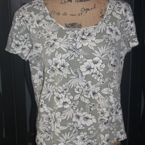 🌈White Stag Floral Top Size XL